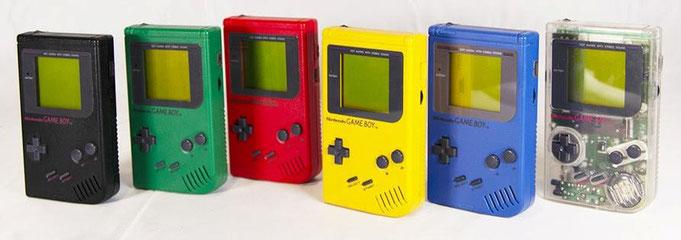 "Nintendo Game Boy DMG-01, serie ""Play It Loud"" (falta el modelo blanco), 1995"