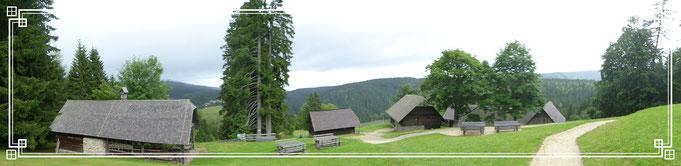 Rosegger Geburtshaus , der Kuppeneggerhof am Alpl, auf 1.150 Meter Seehöhe. Hier wuchs Peter Rosegger bis zu seinem 17. Lebensjahr auf.