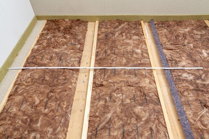 Holzbalkendecke ausgleichen mit Backpfeifen