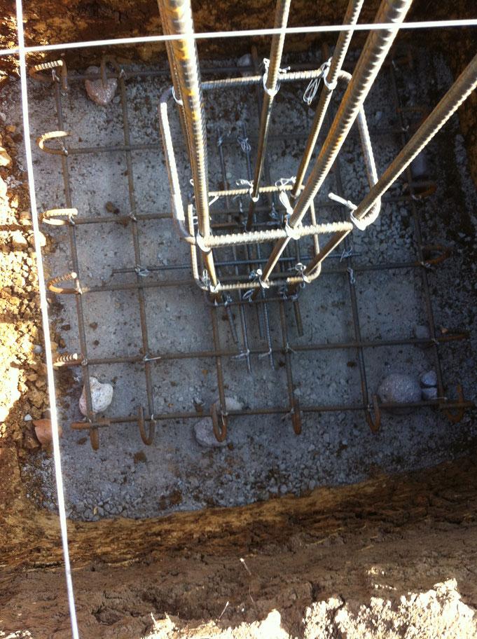 Eisenbewehrung Pfeilerfundament auf Magerbetonsohle