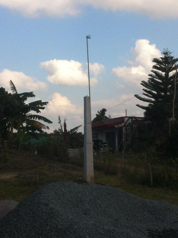 Elektrobetonpfosten mit Eisenstange verlängerung