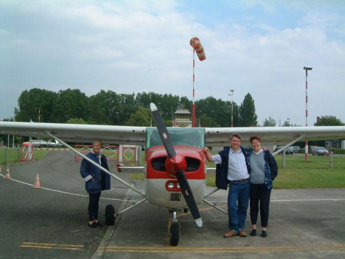 Cessna 172 OO-AWT à Grimbergen avec Maman et ma soeur Marie-Noëlle
