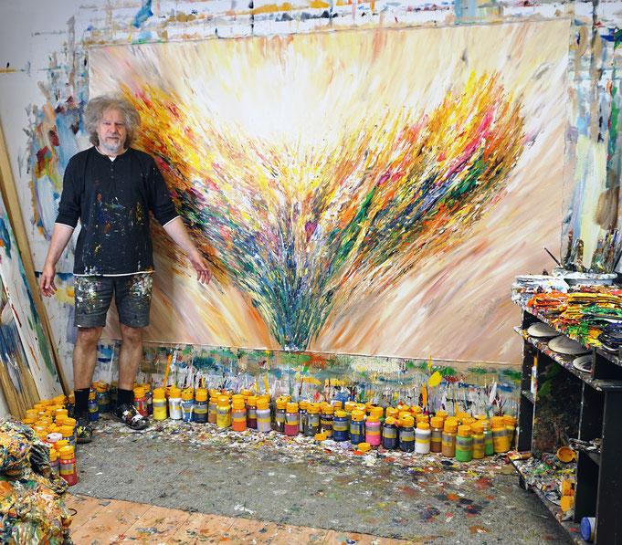 .. gerade fertig gemalt: Peter Nottrott mit Positive Energy XXXL 5