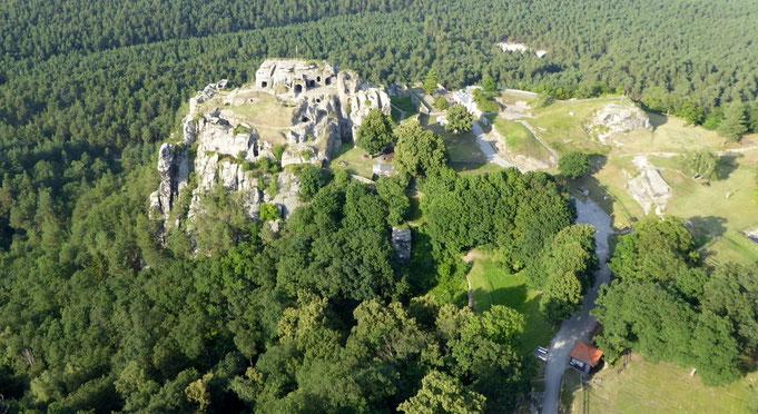 Burgruine Regenstein, von der Südseite her betrachtet