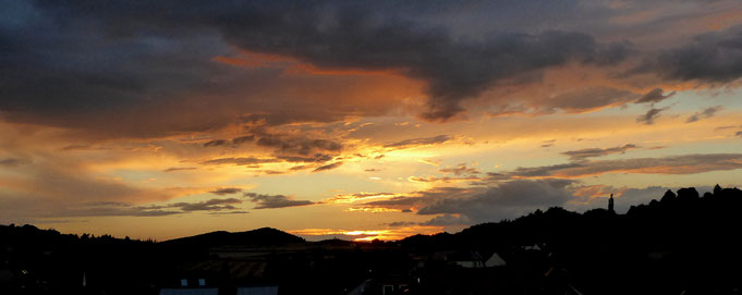 Sonnenuntergang im Spätsommer an der Harzkante entlang