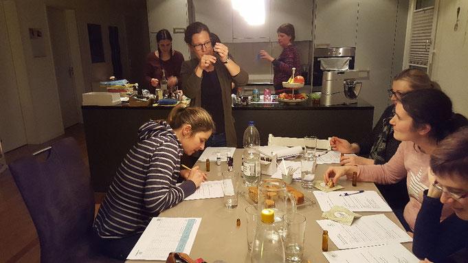 Aromatherapie Hausapotheke Erkältungen Workshop ätherische Öle selber mischen bei www.dufterleben.ch