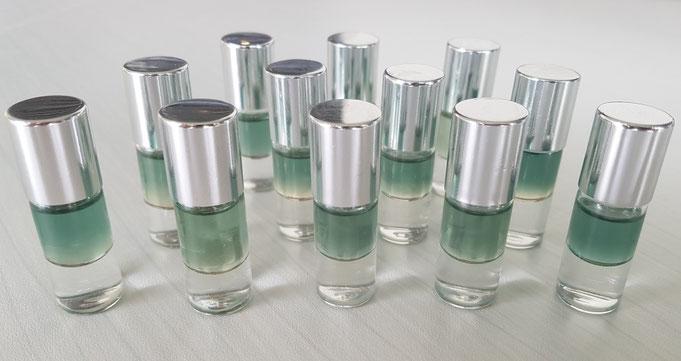 Aromatherapie farbige Duftmischung ätherische Öle und Beratung und Hausapotheke von dufterleben