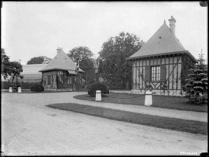 Villa Edifra de F.J. Gould: Les jardins et dépendances
