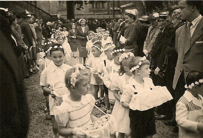 Photo Christian Muniglia. Procession Fête Dieu, 1953/54