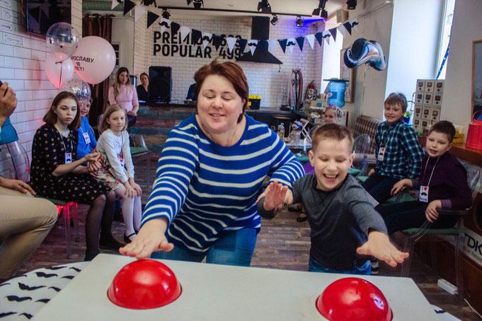 Усатая вечеринка для детей и подростков на детский праздник в Москве