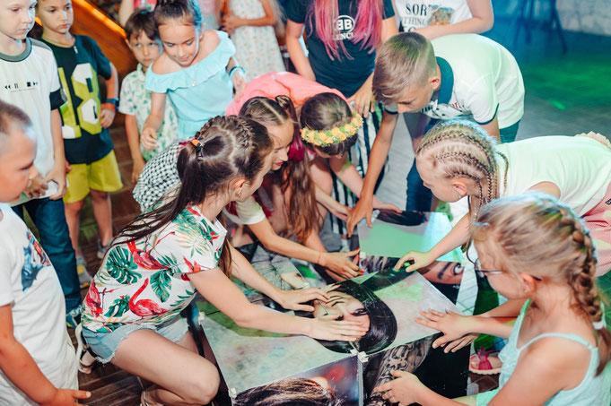 YouTube вечеринка для детей и подростков на детский праздник в Москве