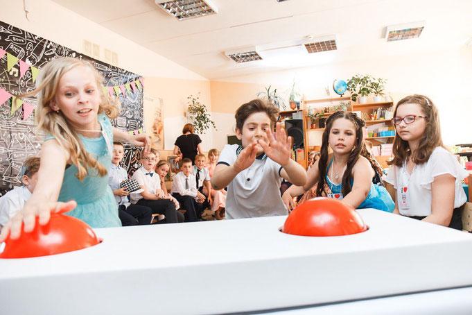 Усатая вечеринка для детей и подростков на детский праздник день рождения в Москве