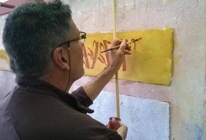 Artisan peintre à Montpellier, réalisation d'une fresque à la chaux