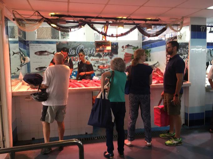 ... hier wird ausschließlich Tuna verkauft.