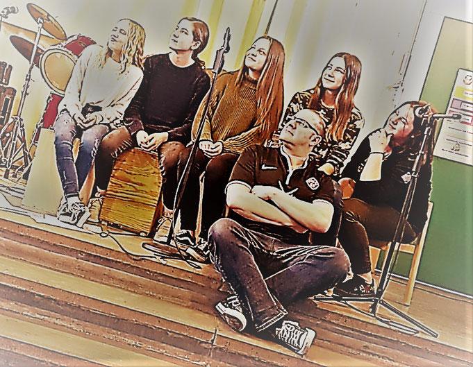 Unsere Band 2018/2019: Emma, Toni, Konni, Helen, Lena und der Chef  (es fehlt Selin)