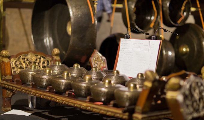 Javanische Instrumente des Gamelan-Ensembles MANYAR SEWU aus Kassel