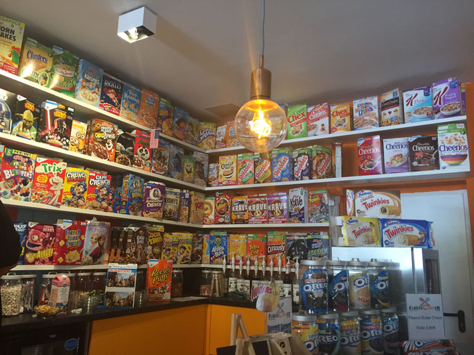 Flakes Corner in Koeln - Muesli Fruehstueck mal anders - über 100 verschiedene Müsli-Sorten