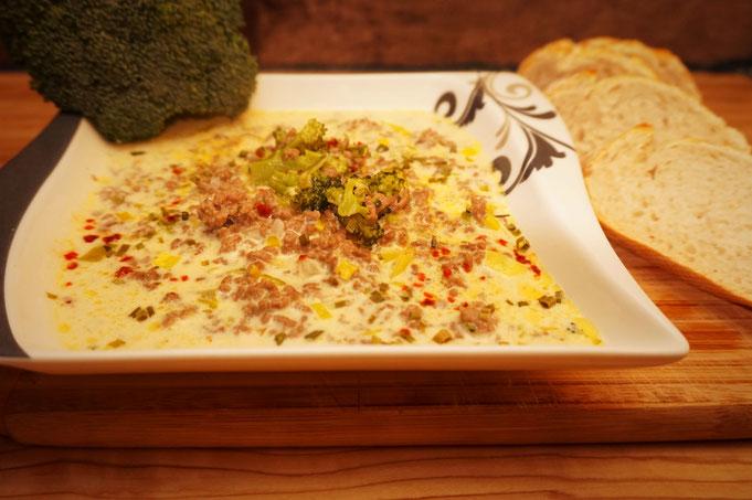 einfache Kaese Brokkoli Lauch Hackfleisch Suppe mit Schmelzkaese