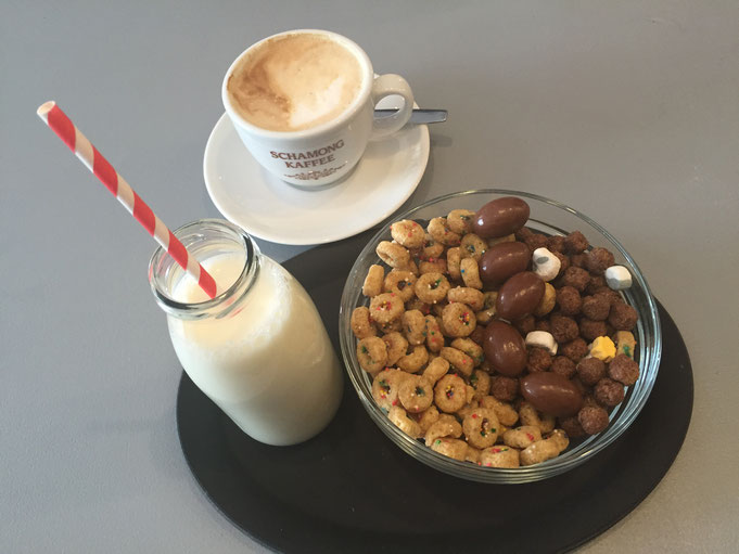 Flakes Corner in Koeln - Muesli Fruehstueck mal anders - Review