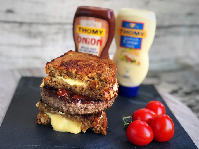 Patty Melt Sandwich mit Roestzwiebeln l Patty Melt l Grilled Cheese