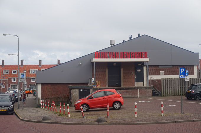 DIRK VAN DEN BROEK - der Supermarkt in Zandvoort