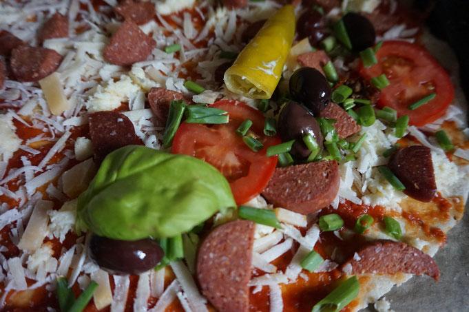 orientalische Pizza|mit Sucuk|der Teig muss nicht gehen