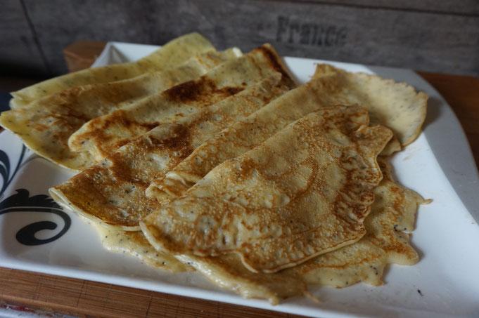 Rezept leckere Mohn-Pfannkuchen  Eierkuchen  krep