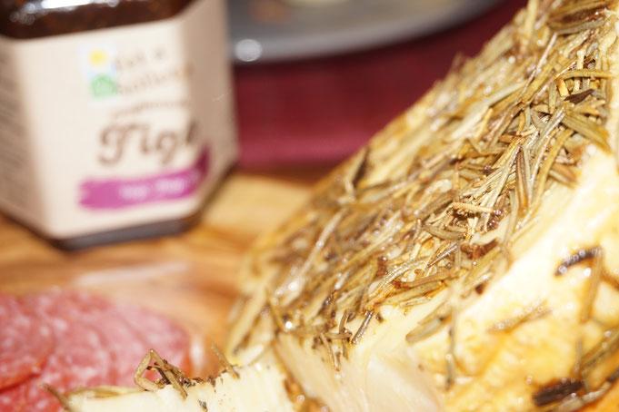 Antipasti aus Soller Mallorca l Low Carb Focaccia ohne Mehl mit Mandeln