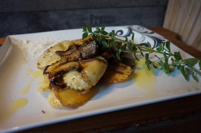 Rezept schnelle Trueffel Tortellini Pfanne mit Aubergine