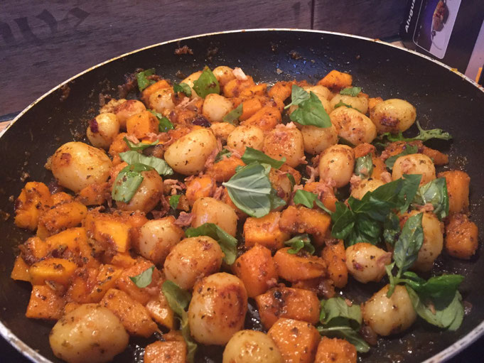 Basilikum Brat-Kuerbis wie Bratkartoffeln nur geiler | Fertig in 20 Min