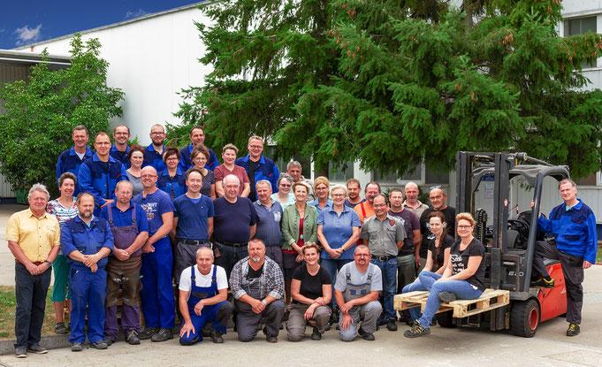 Belegschaft der OFB Oberflächenbearbeitung Kimax GmbH