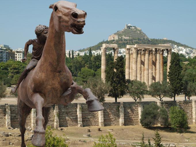 Alla riconquista della civiltà. Reconquering civilization; series. Atene 2016 (cavallo con fantino del II secolo a.c., Museo Archeologico Nazionale di Atene; panorama ateniese)