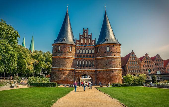 Wahrzeichen Holstentor in Lübeck