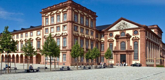Barockschloss Mannheim - Super Location für Hochzeitsfotos