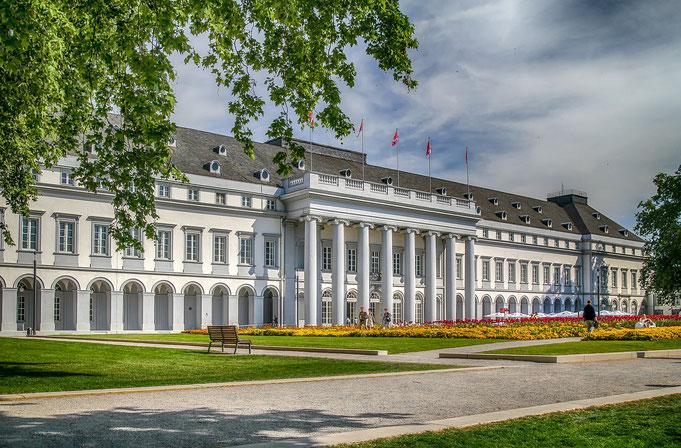 Schloss Koblenz - perfekte Location für schöne Hochzeitsbilder
