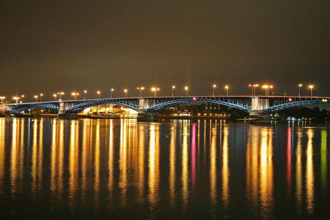 Theodor-Heuss-Brücke in Mainz zu Wiesbaden