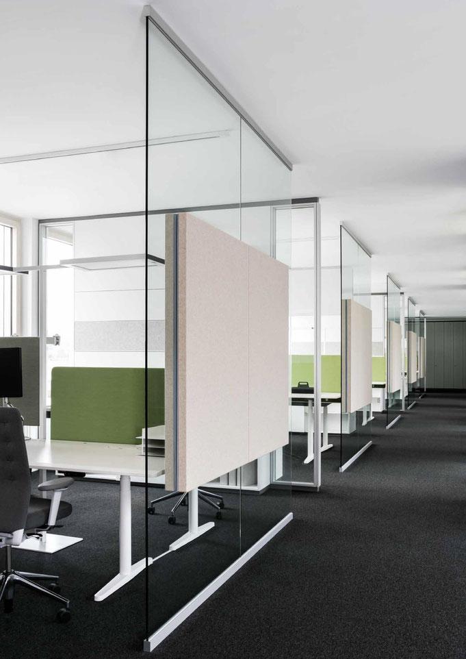 Trennwandysteme aus Glas - Wienss Innenausbau GmbH berät, fertigt und montiert. Akustisch wirksam.
