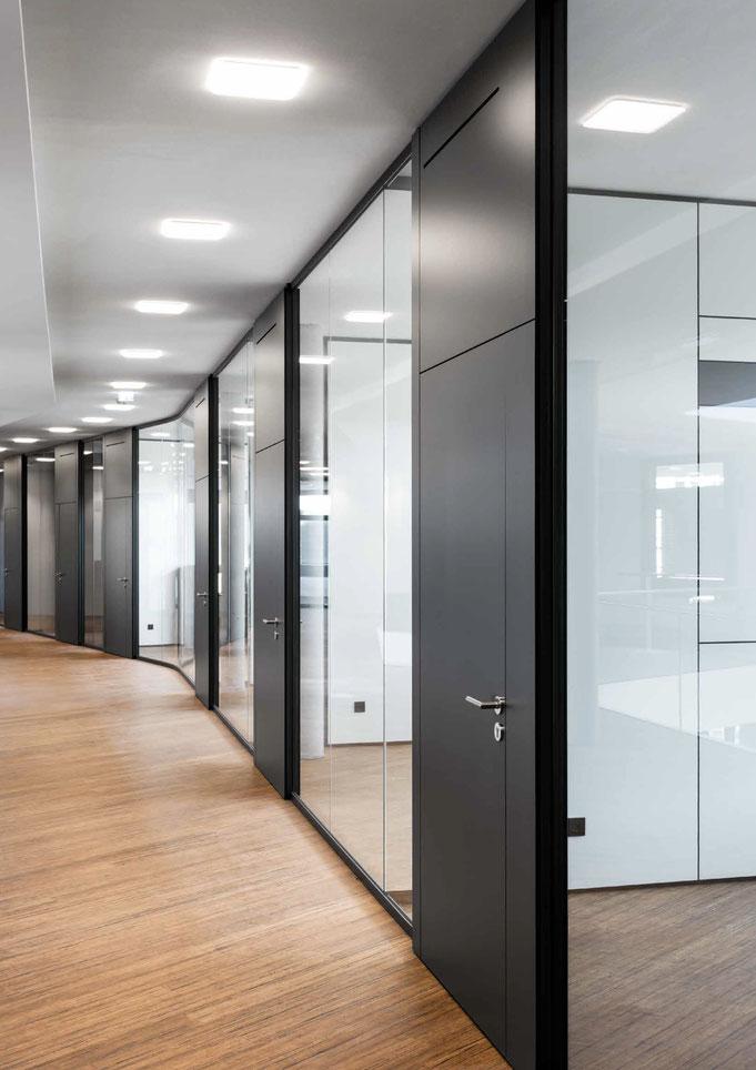 Trennwandysteme aus Glas - Wienss Innenausbau GmbH berät, fertigt und montiert. Clean Look.