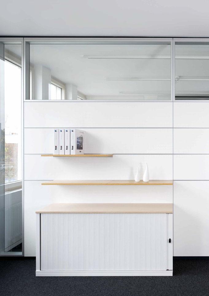 Trennwandysteme aus Glas - Wienss Innenausbau GmbH berät, fertigt und montiert. Organisiert im Büro