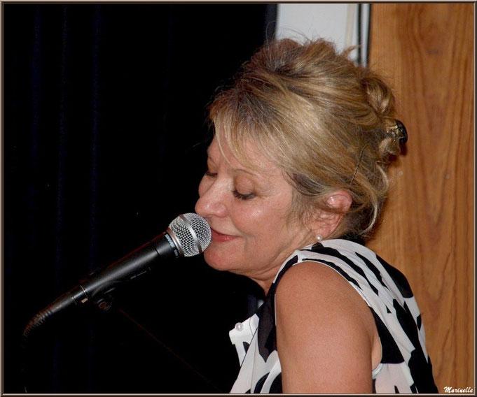 Caroline Grossot, piano/voix en concert au Baryton à Lanton le 7 juin 2014