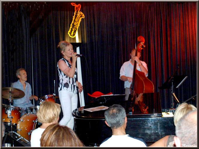 Caroline Grossot et Iano Anzelmo à la batterie, concert au Baryton à Lanton le 7 juin 2014