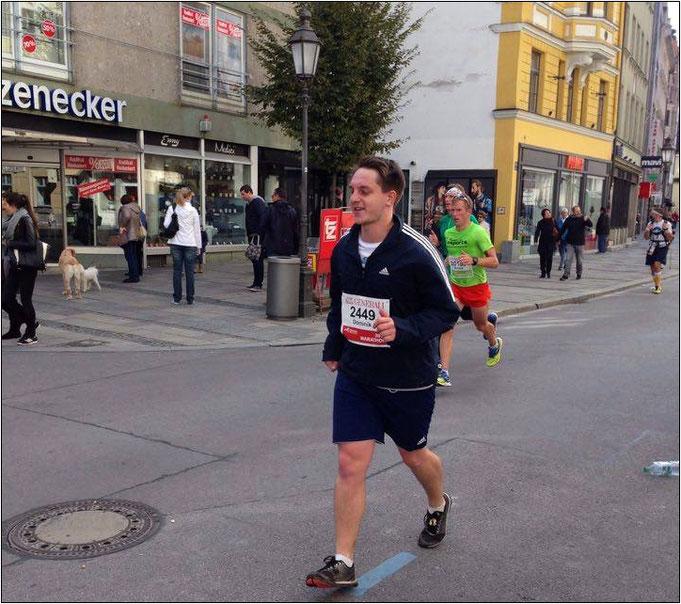 Dominik beim München-Marathon 2016.