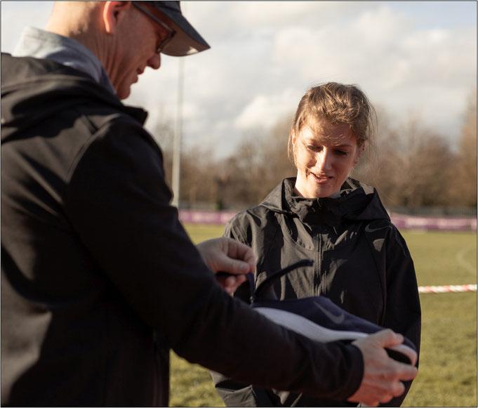 Sophie Hahn nutzt die FlyEase-Technologie. Bildquelle: Nike