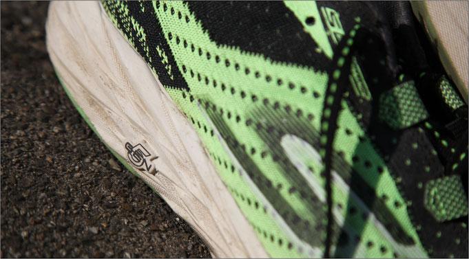 Bei höherem Tempo bleibt der Schuh sehr stabil und kontrollierbar.