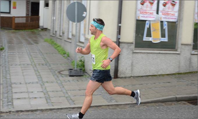 Hier beim 10 km-Wettkampf in Ebersberg. Bildquelle: www.ebersberger-stadtlauf.de
