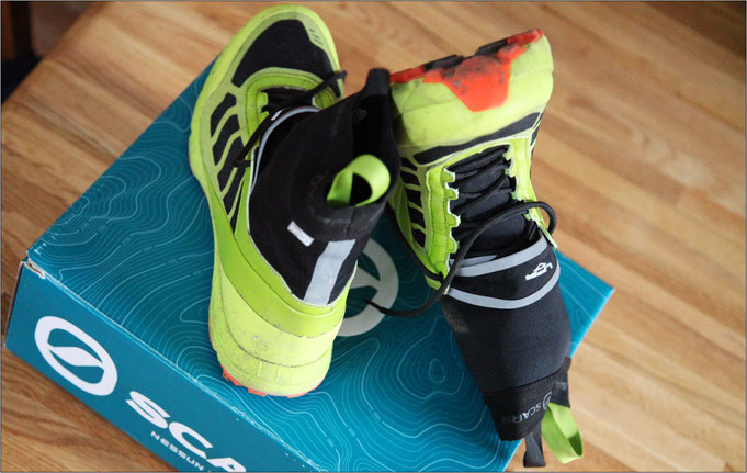 Der Schuh ist wasserdicht und kommt mit OutDry-Membran.