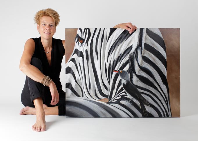 Janien Loman Esinge bij 1 van haar schilderijen(deze is nog te koop)