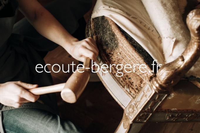 Le tapissier de sièges, un artisan d'art au travail sur la restauration d'un fauteuil d'époque