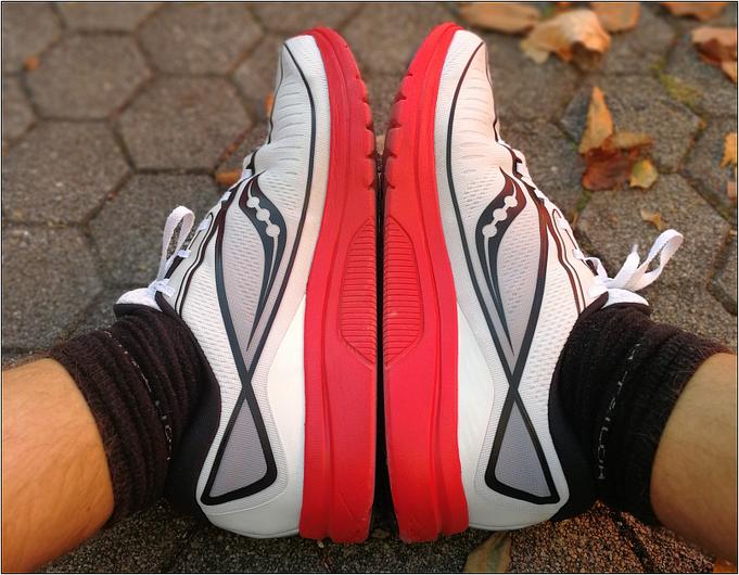 Breitere Läuferfüße finden ausreichend Platz.