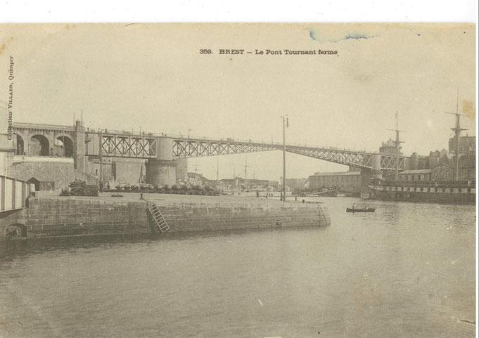 Les quais et accès  au pont de la rive gauche